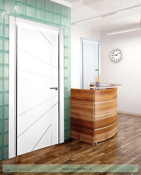 Puerta lacada Diseño Grupo C en block Ciega BL Modelo 810