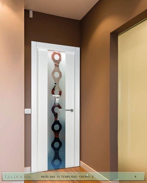 Puerta lacada Diseño Grupo C en block vidrio templado 8mm BL Modelo 860 1V