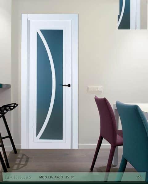 Puerta lacada diseño Grupo B en block Vidriera Parrilla 1V BL Modelo Arco SP