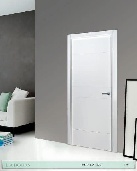 Puerta lacada Diseño Grupo A en block Ciega BL Modelo 220