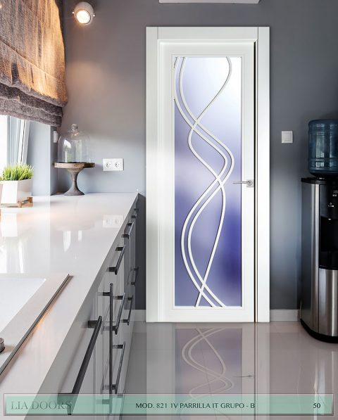 Puerta lacada diseño Grupo B en block Vidriera Parrilla 1V BL Modelo 821 IT