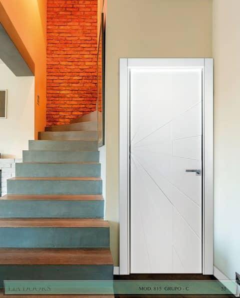 Puerta lacada Diseño Grupo C en block Ciega BL Modelo 815