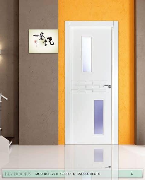 Puerta lacada diseño Grupo D en block 2VP BL Modelo 845 IT
