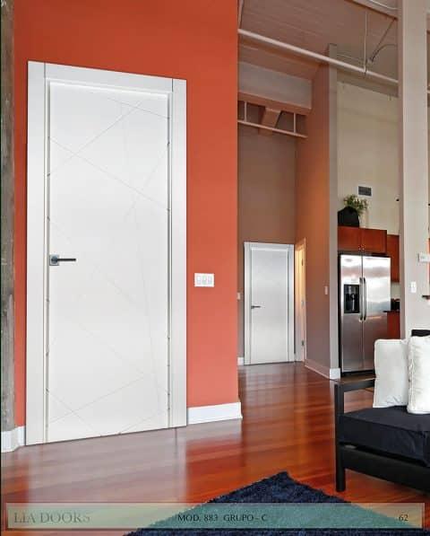 Puerta lacada Diseño Grupo C en block Ciega BL Modelo 883