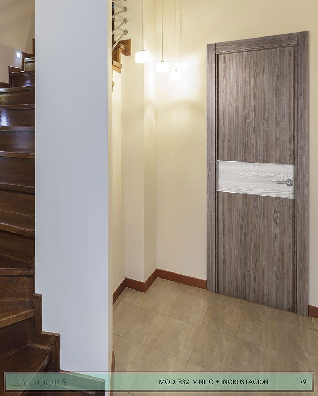 Puerta de Vinilo en block Ciega BL Modelo 832 (Incrustación de Aluminio)