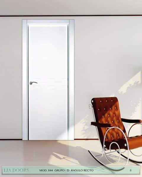 Puerta lacada Diseño Grupo D en block ciega BL Modelo 844