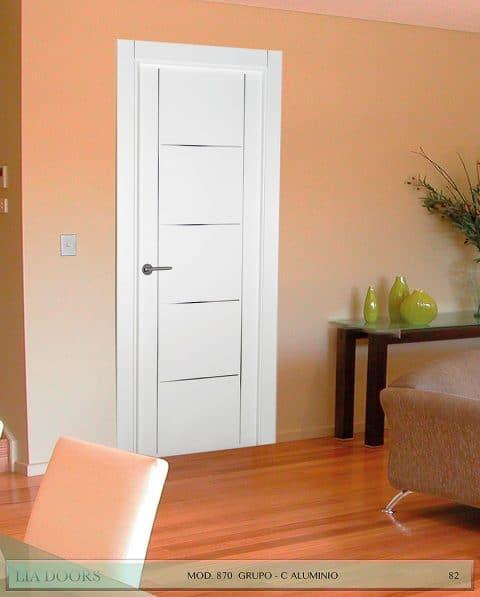 Puerta lacada Diseño Grupo C en block Ciega BL Modelo 870 Aluminio