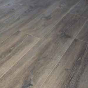 Suelo Laminado KRONOSWISS Grand Selection Evolution Copper Oak D 4512 CI