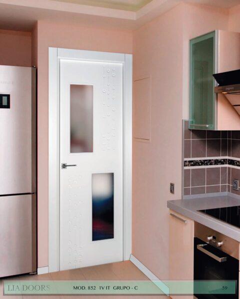 Puerta lacada diseño Grupo C en block 1V BL Modelo 852 IT