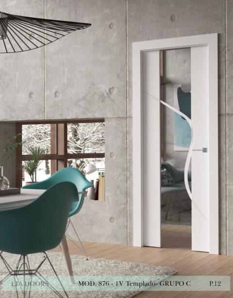 Puerta lacada Diseño Grupo C en block vidrio templado 8mm BL Modelo 876 1V