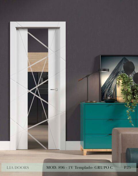 Puerta lacada Diseño Grupo C en block vidrio templado 8mm BL Modelo 896 1V