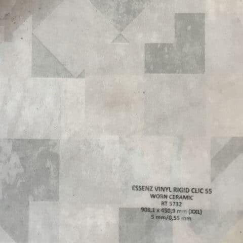 Suelo Vinílico ESSENZ Vinyl Worn Ceramic RT5732