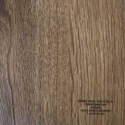 Suelo Vinílico ESSENZ Vinyl Traditional Oak RP5822
