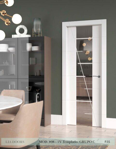 Puerta lacada Diseño Grupo C en block vidrio templado 8mm BL Modelo 898 1V