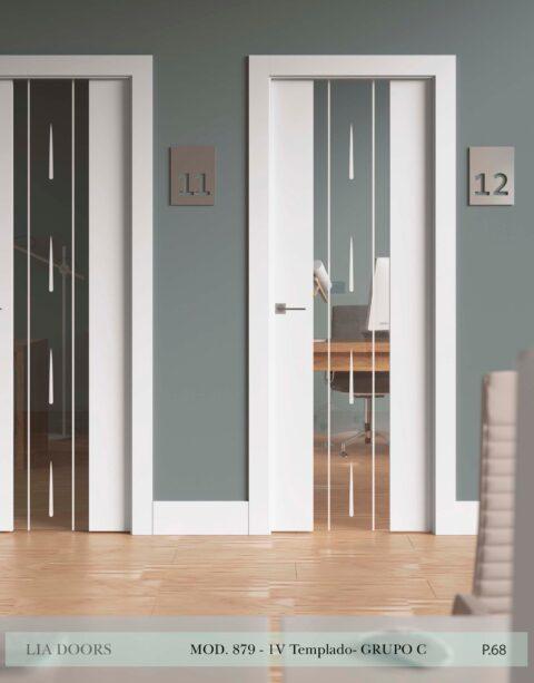 Puerta lacada Diseño Grupo C en block vidrio templado 8mm BL Modelo 879 1V