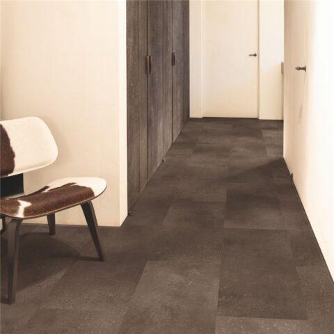 Suelo Vinílico Quick Step Alpha Vinyl Tiles Roca Canela AVST40233